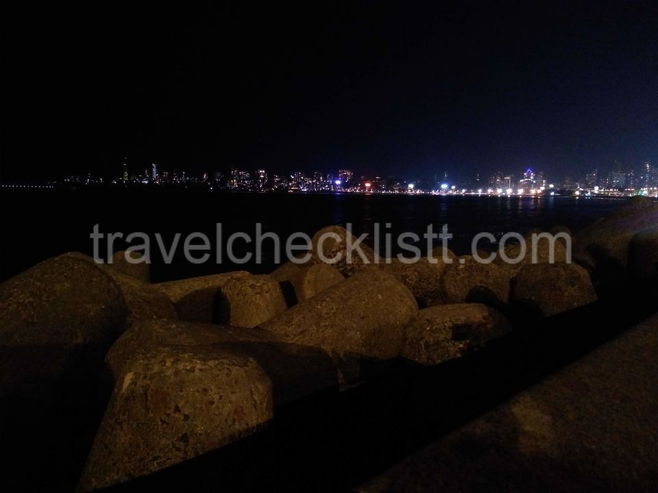 Marine Drive Mumbai, Night view