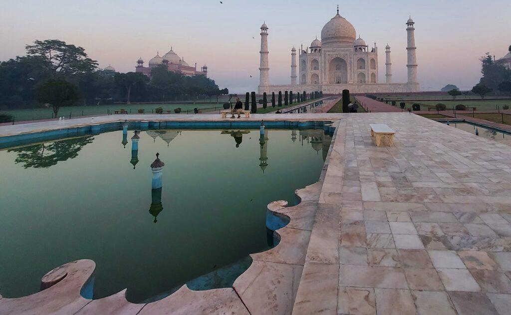 Taj Mahal view with the fountain area