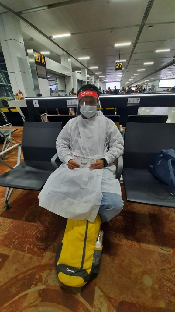 PPE kit provided by Airlines staff- COVID rule in Airline